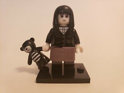 GENUINE LEGO Collectable Minifigures Series 12 SPOOKY GIRL (71007) COMPLETE!