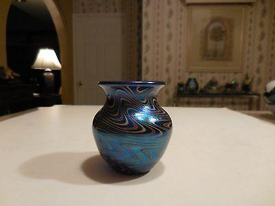ARTIST SIGNED ORIENT & FLUME ART GLASS BLUE AURENE SWIRL PATTERN
