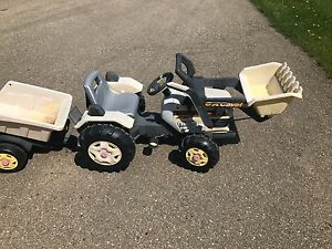 Peg perego tractor and trailer