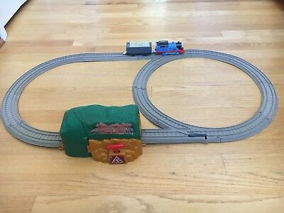 Thomas and Friends Trackmaster Talking Thomas Bust Through Mine Tunnel Set W3539