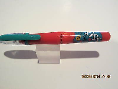 PAPERMATE MINI KISS RED FOUNTAIN PEN-CONTOURED BODY-USES STANDARD INK CARTRIDGES