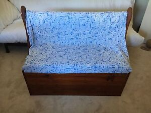 Beautiful hard wood children's bench seat toy chest Redcliffe Belmont Area Preview