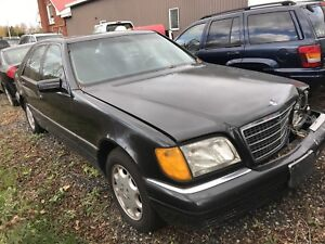 1997 Mercedes Benz S320 well maintained- front end collision