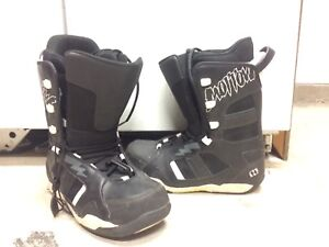 excellent condition snowboarding boots