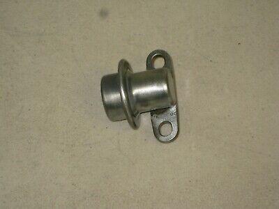 Toyota 1.5L 1.8L Fuel Injection Pressure Regulator Pulsation Damper 23270-11010
