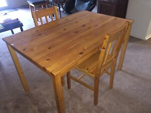 Kitchen/dining table & 2 chairs