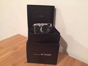 Fujifilm X100 camera package Fuji X series PRICED TO SELL Haymarket Inner Sydney Preview