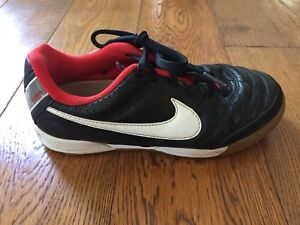 Kids Nike indoor Soccer shoes sizes 12.5 and 1.5