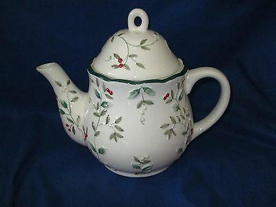 Pfaltzgraff WINTERBERRY Teapot  MINT Green holly, red berries