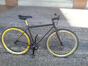 Fixie Bike, fixed gear & single free gear. Black & Gold colour
