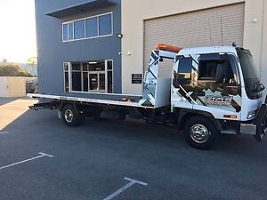 Towing service tilt tray 24 hrs a day