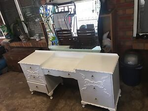 Girls dressing table Lewiston Mallala Area Preview