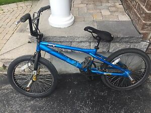 Haro f3 (good condition). New front tire+seat