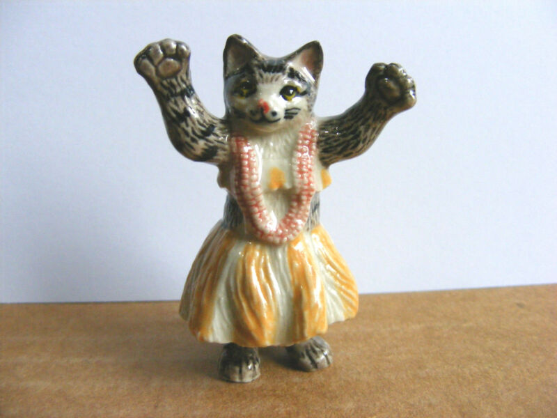 Klima Hula Cat Yellow Skirt Miniature Animal Figurine Dancing Kitty Charity