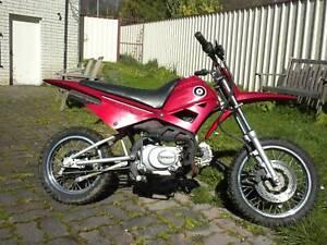 Demon 90 cc four stroke four speed good condition dirt bike