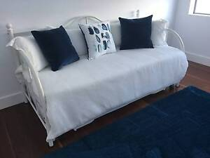 White king single day bed with roll away trundle bed Lilli Pilli Sutherland Area Preview