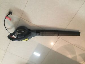 OZITO 1800 ELECTRIC BLOWER HARDLY USED Benowa Gold Coast City Preview