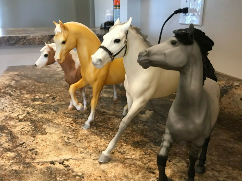 Breyer horse lot, Vintage four horses, including Buckshot