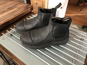 Brand new BLUNDSTONE  (CSA SAFETY BOOT)  BLACK size 5 unisex