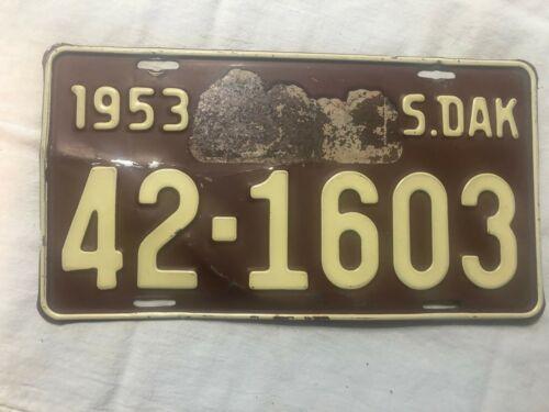 1953 Lincoln  County South Dakota  license plate