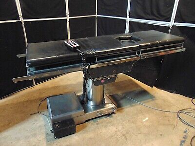 Skytron Elite 5001 Surgical Table With Hand Control Works Good S4469