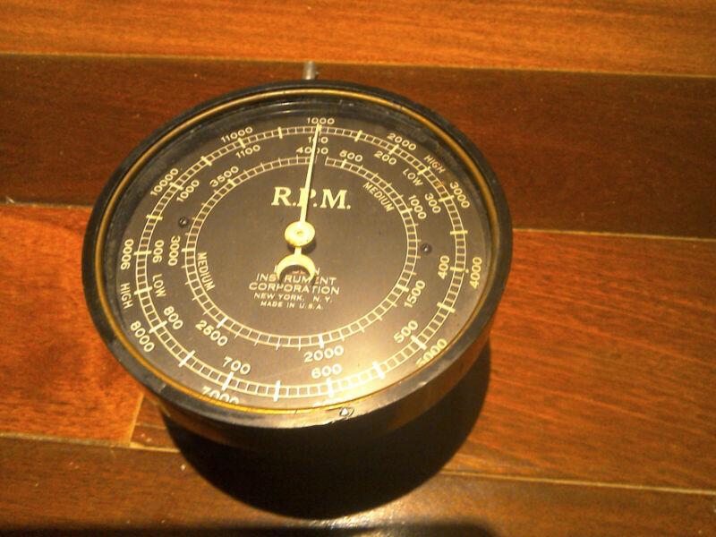 Steampunk vintage RPM gauge