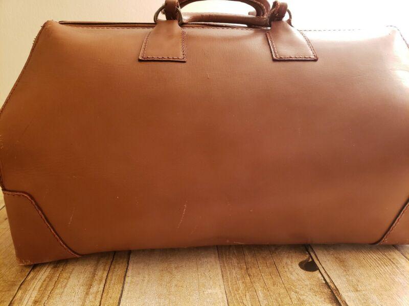VINTAGE DOCTORS BAG BROWN COWHIDE LEATHER HOMA BRASS  DISTRESSED TRAVEL FOOTED