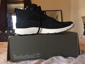 sneakers timberlands ( Brand new in box )