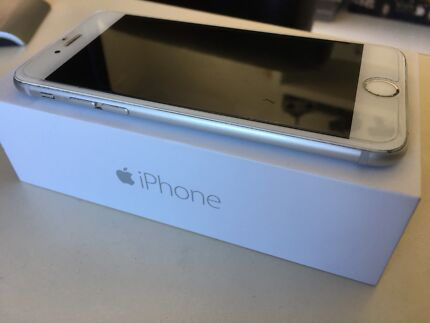 Great condition. iPhone 6 - 16BG White / Silver 9/10 Condition ... 📱