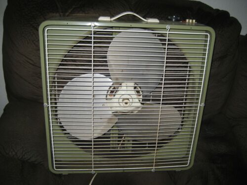Vintage Superior 3 Speed Thermo Control Metal box Fan Green 22