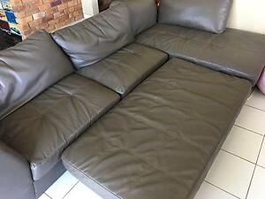 3 piece sofa for sell Sunnybank Hills Brisbane South West Preview