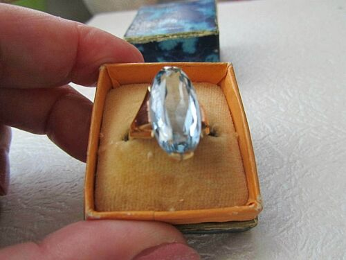 Beautiful antique ART DECO 14 K yellow and rose gold aquamarine blue stone ring