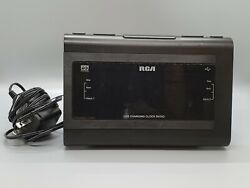 RCA Clock Radio RC142-D Dual Alarm Wake USB Charging Aux In Black Case *Tested*