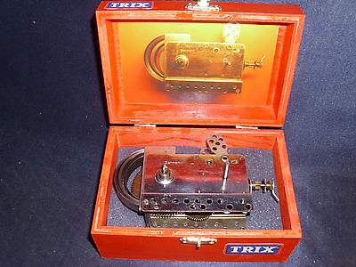 TRIX Federmotor Uhrwerkmotor zum aufziehen ein Baukasten Motor in Holzkiste