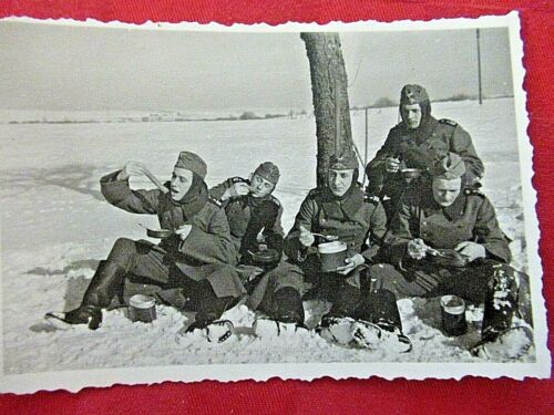 WWII Original German Photo Combat Soldiers COLD LUNCH