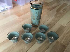 Magnifique vase et 6 verres