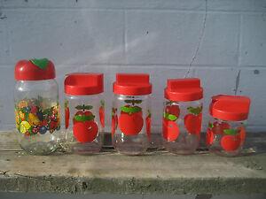 5-bocaux-type-henkel-decor-pommes-rouges-annees-70