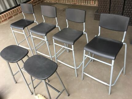 6 Black bar stools