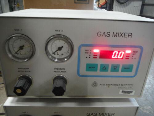 New Brunswick Scientific Two Gas Mixer M1220 0003