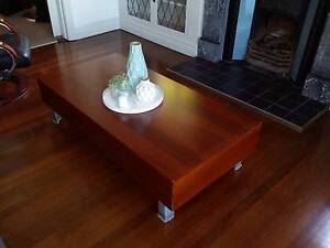 COFFEE TABLE WITH 2 STORAGE DRAWERS VENEER TIMBER GOOD CONDITION Kangaroo Point Brisbane South East Preview