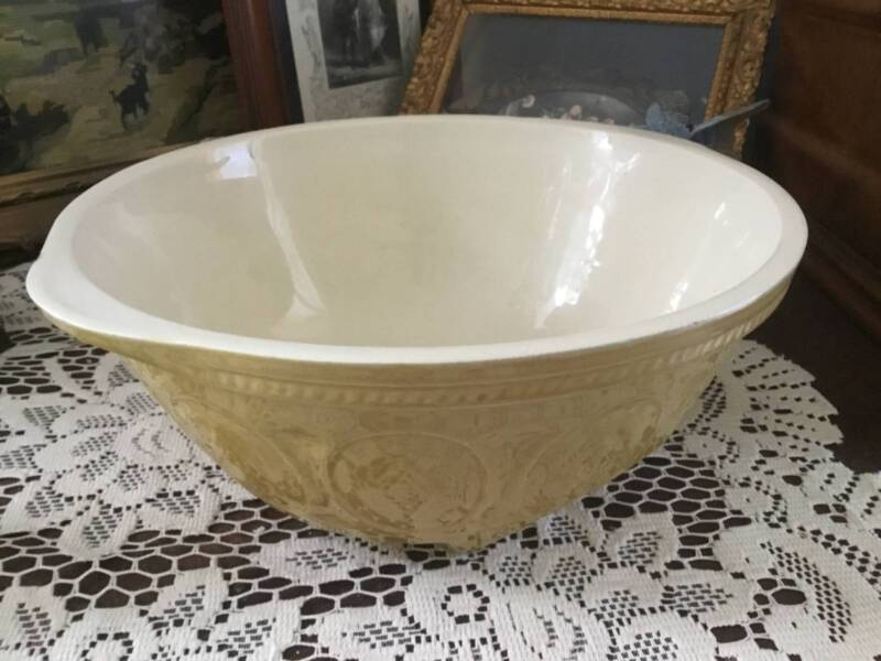VERY LARGE GRIP STAND MIXING BOWL | Cooking Accessories | Gumtree ...