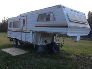 24 ft 5th wheel trailer