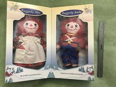 1997 NEW In Box Raggedy Ann & Andy Special Edition Cloth Dolls Holiday Christmas ()