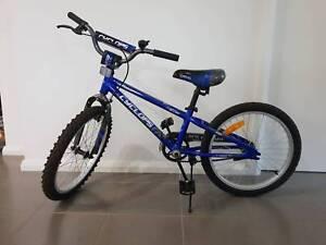 Kids Bike Cyclops - 50cm Great Condition   helmet
