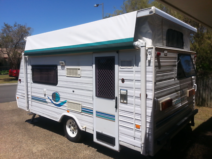 """2003  14'6"""" Jayco Freedom 'Easy Lift' Pop Top with Annexe"""