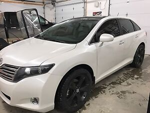 2011 Toyota Venza Limited V6 AWD (loaded)