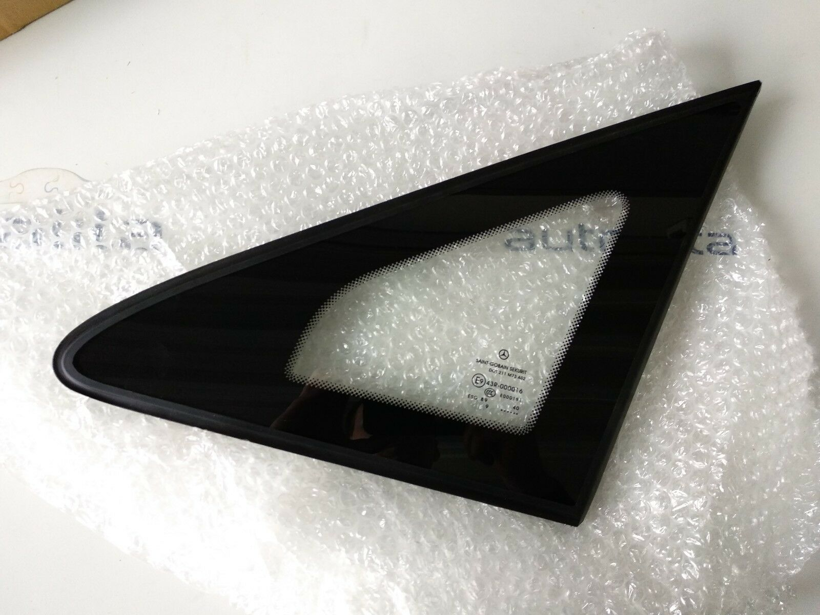 NEW Genuine OEM  MB  GLASS  Part No 6396736705