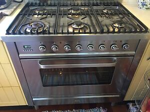 Ilve 900 mm Upright oven cooktop Winmalee Blue Mountains Preview