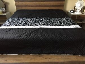 King size comforter and sheet set
