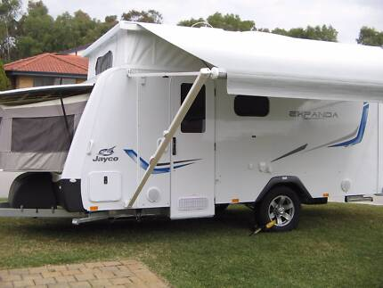 JAYCO EXPANDA FAMILY CARAVAN WITH SHOWER AND TOILET